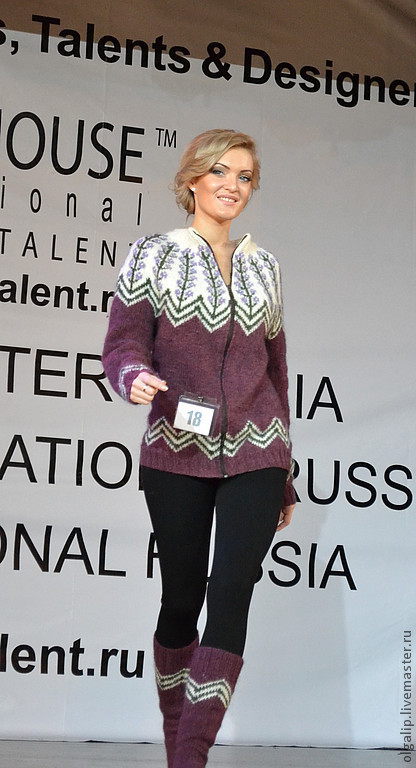 Показ моделей на международном Форуме моделей, талантов и дизайнеров FashionHouse  International, Москва\r\nМодель - Елизавета Круглякова