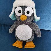 Мягкие игрушки ручной работы. Ярмарка Мастеров - ручная работа Вязаный пингвин в шапке. Handmade.