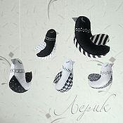 """Куклы и игрушки ручной работы. Ярмарка Мастеров - ручная работа Черно-белый мобиль из фетра на кроватку для новорожденного """"Птички"""". Handmade."""
