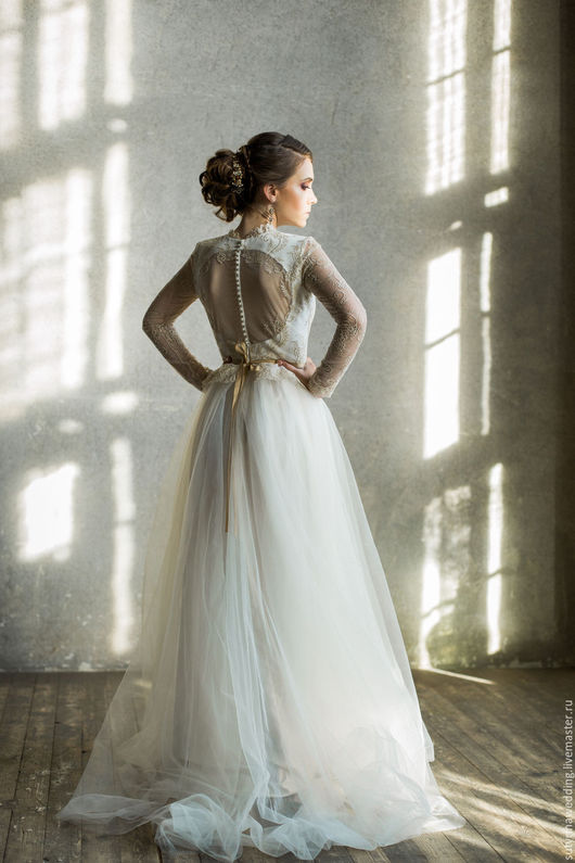 Одежда и аксессуары ручной работы. Ярмарка Мастеров - ручная работа. Купить Свадебное платье с пуговками по спинке. Handmade. Белый