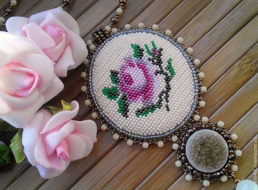 """Кулоны, подвески ручной работы. Ярмарка Мастеров - ручная работа. Купить Кулон """"Vintage rose"""". Handmade. Бежевый, винтажный кулон"""