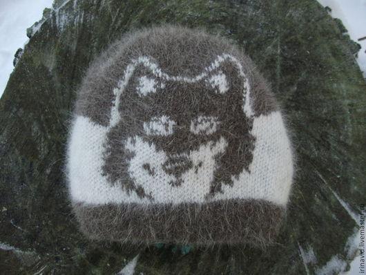 """Шапка из собачьей шерсти со звериным жаккардовым рисунком """"Волк"""" , из шерсти самоеда и кавказской овчарки, теплая, мягкая, пушистая."""