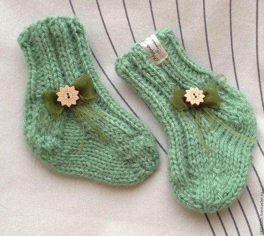 Носки, Чулки ручной работы. Ярмарка Мастеров - ручная работа. Купить Носочки вязаные для малыша. Handmade. Теплый подарок, мятный