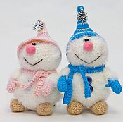 Куклы и игрушки ручной работы. Ярмарка Мастеров - ручная работа Вязаные снеговички :). Handmade.