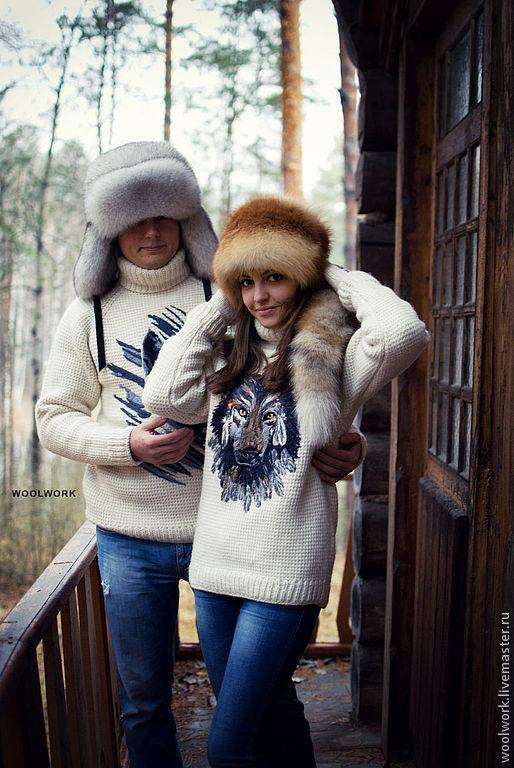 Белый свитер  шерстяной свитер  вязаный  свитер ручной работы   белый   свитер с волком подарок для мужчины  подарок для женщины  из натуральной шерсти  для отдыха  воротник – гольф   для женщины WW