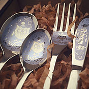 Подарки к праздникам ручной работы. Ярмарка Мастеров - ручная работа Детский именной столовый набор в деревянной коробочке. Handmade.