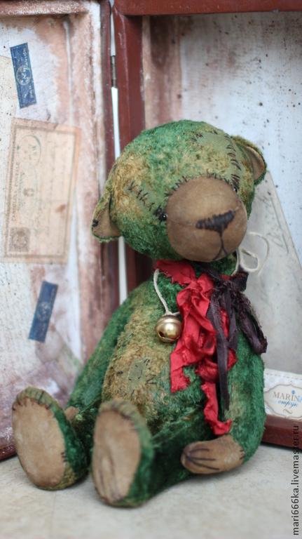Мишки Тедди ручной работы. Ярмарка Мастеров - ручная работа. Купить Мишка с бубенчиком.. Handmade. Зеленый, тедди, Старинный плюш