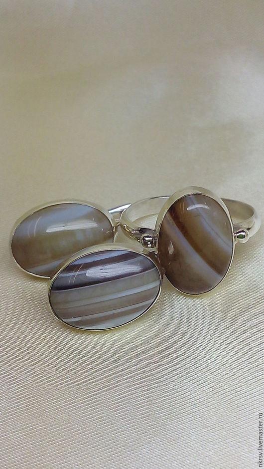 Комплект украшений ручной работы из натурального агата в серебре.