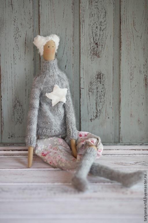 Куклы Тильды ручной работы. Ярмарка Мастеров - ручная работа. Купить Тильда в свитере и чулках. Handmade. Серый, тильда в чулках