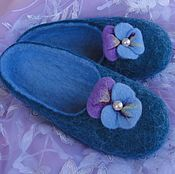 """Обувь ручной работы. Ярмарка Мастеров - ручная работа Валяные  тапочки """"Анютины глазки"""". Handmade."""