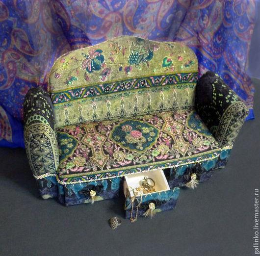 Мини-комоды ручной работы. Ярмарка Мастеров - ручная работа. Купить Шкатулка Мой изумрудный...диван. Handmade. Мини-комод