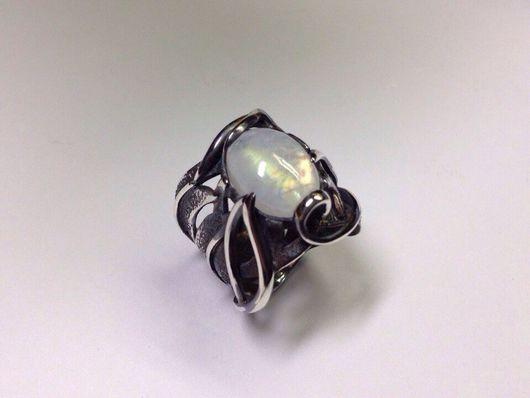 Кольца ручной работы. Ярмарка Мастеров - ручная работа. Купить Кольцо из серебра с лунным камнем. Handmade. Кольцо, лунный камень
