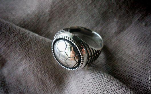 """Украшения для мужчин, ручной работы. Ярмарка Мастеров - ручная работа. Купить Перстень """"Околофутбола"""". Handmade. Мужской подарок, спортивный стиль"""