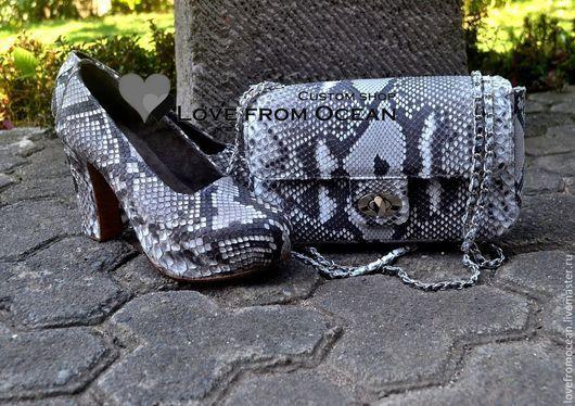 Обувь ручной работы. Ярмарка Мастеров - ручная работа. Купить Туфли из кожи питона на устойчивом каблкуке. Handmade. Чёрно-белый