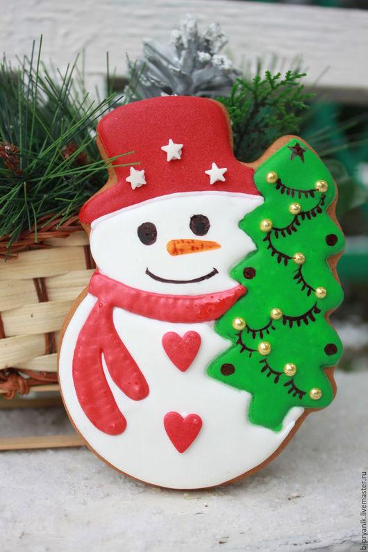 Имбирный пряник Новогодний. Пряник Снеговик с елкой. Подарок на Новый год.