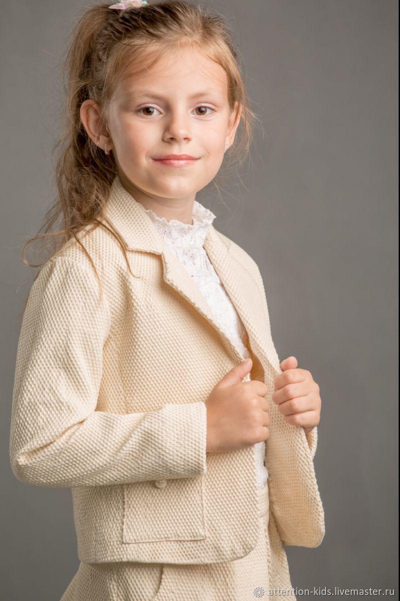 Жаккардовый костюм для девочки