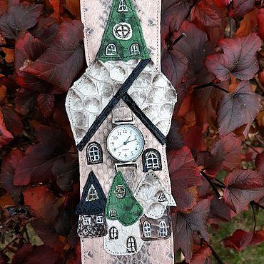 """Украшения ручной работы. Ярмарка Мастеров - ручная работа Часы """"Башня с часами"""" на браслете из кожи змеи с питоном. Handmade."""