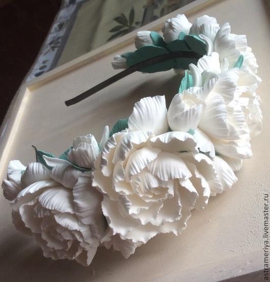 Диадемы, обручи ручной работы. Ярмарка Мастеров - ручная работа. Купить Ободок с цветами из полимерной глины.Белые пионы. Handmade.