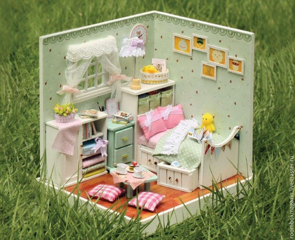Как сделать кукольный домик из коробки своими руками 17