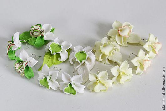 Ассортимент комплектов недорогих украшений с цветами орхидей из полимерной глины. Цена комплекта всего 650р!