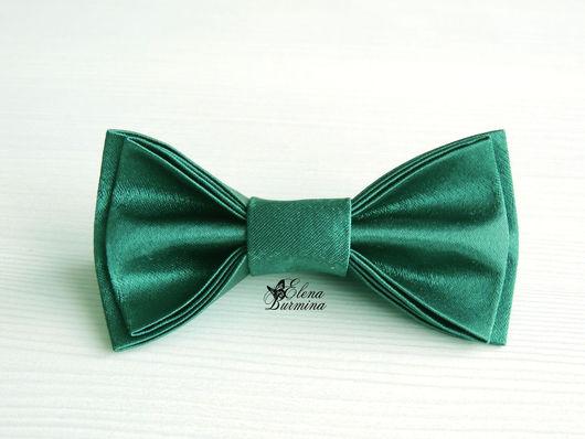 Галстуки, бабочки ручной работы. Ярмарка Мастеров - ручная работа. Купить Бабочка галстук изумрудная, атлас. Handmade. Тёмно-зелёный