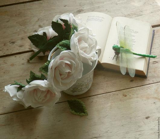 Диадемы, обручи ручной работы. Ярмарка Мастеров - ручная работа. Купить Ободок с белыми розами. Handmade. Белый, розы из фоамирана