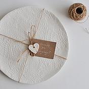 набор из двух кружевных белых кружевных тарелок цвета айвори