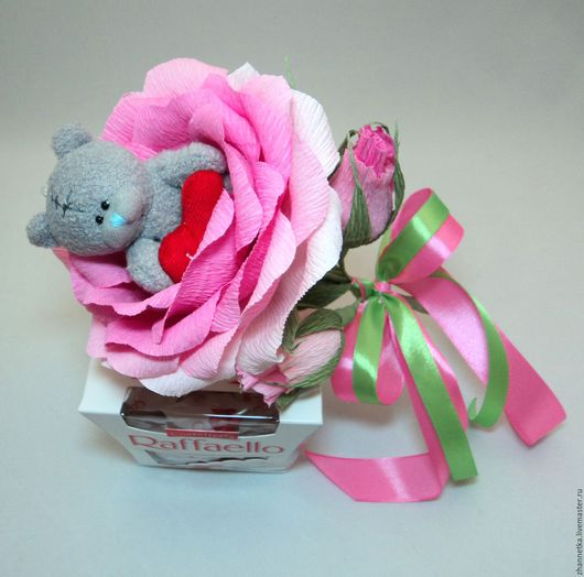 """Букеты ручной работы. Ярмарка Мастеров - ручная работа. Купить Роза с """"Мишкой"""".. Handmade. Розовый, подарок подруге, сладкий подарок"""