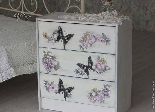 """Мебель ручной работы. Ярмарка Мастеров - ручная работа. Купить Комод """"Весна на крыльях бабочек"""". Handmade. Белый, сиреневый, патина"""