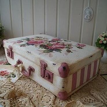 """Для дома и интерьера ручной работы. Ярмарка Мастеров - ручная работа """"Корзина роз""""-чемодан. Handmade."""