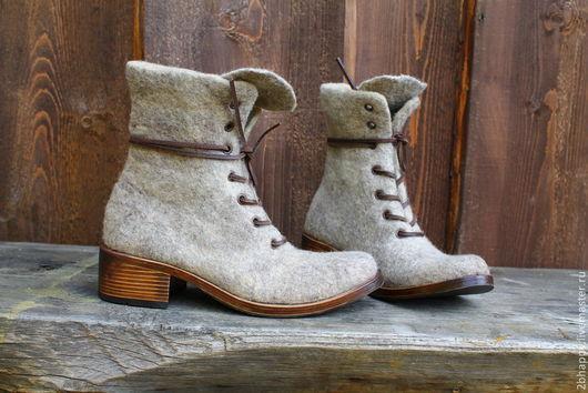Обувь ручной работы. Ярмарка Мастеров - ручная работа. Купить Валяные женские ботинки MARCELLA latte. Handmade. Бежевый