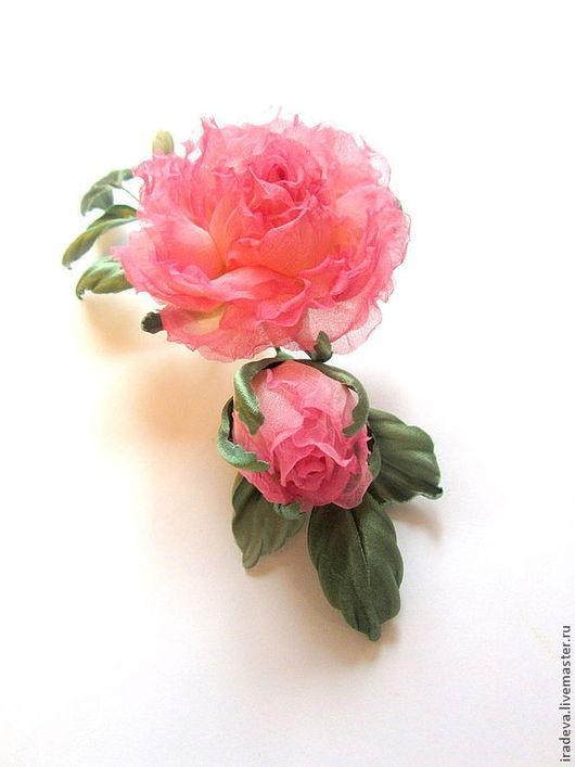 Броши ручной работы. Ярмарка Мастеров - ручная работа. Купить Цветы из шелка. Роза с бутоном. Брошь.. Handmade. Розовый