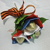 Съедобные букеты ручной работы. Ярмарка Мастеров - ручная работа Мини букет с конфетами для ветеранов на 9 Мая. Handmade.