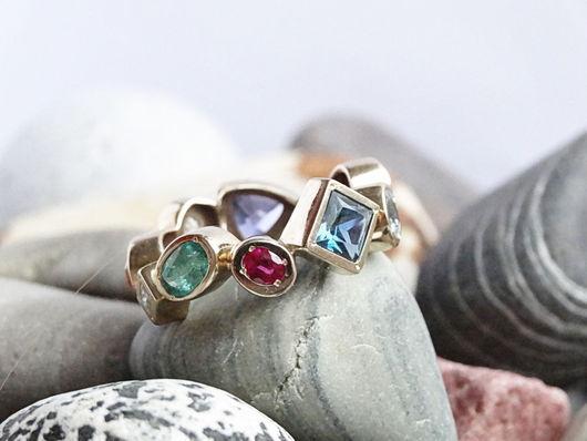 Кольца ручной работы. Ярмарка Мастеров - ручная работа. Купить Кольцо с разноцветными камнями. Handmade. Ярко-зелёный, красивое украшение