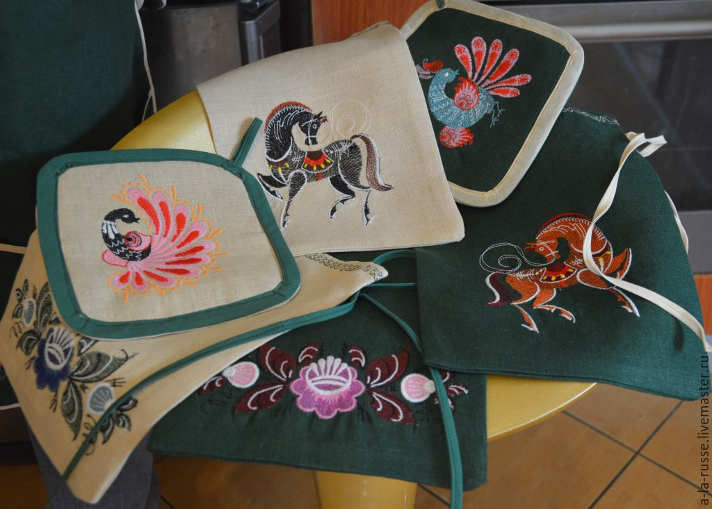 Tacking 'Honey' embroidery patterns Gorodets painting, Potholders, Permian,  Фото №1