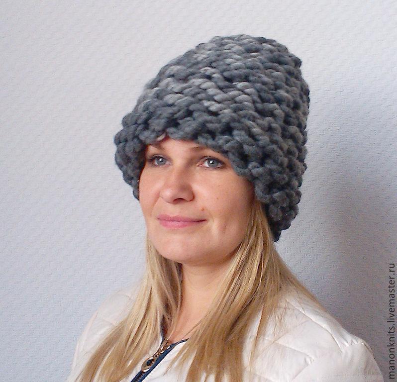 женская шапка из толстой пряжи с помпоном шапка спицами 8 из