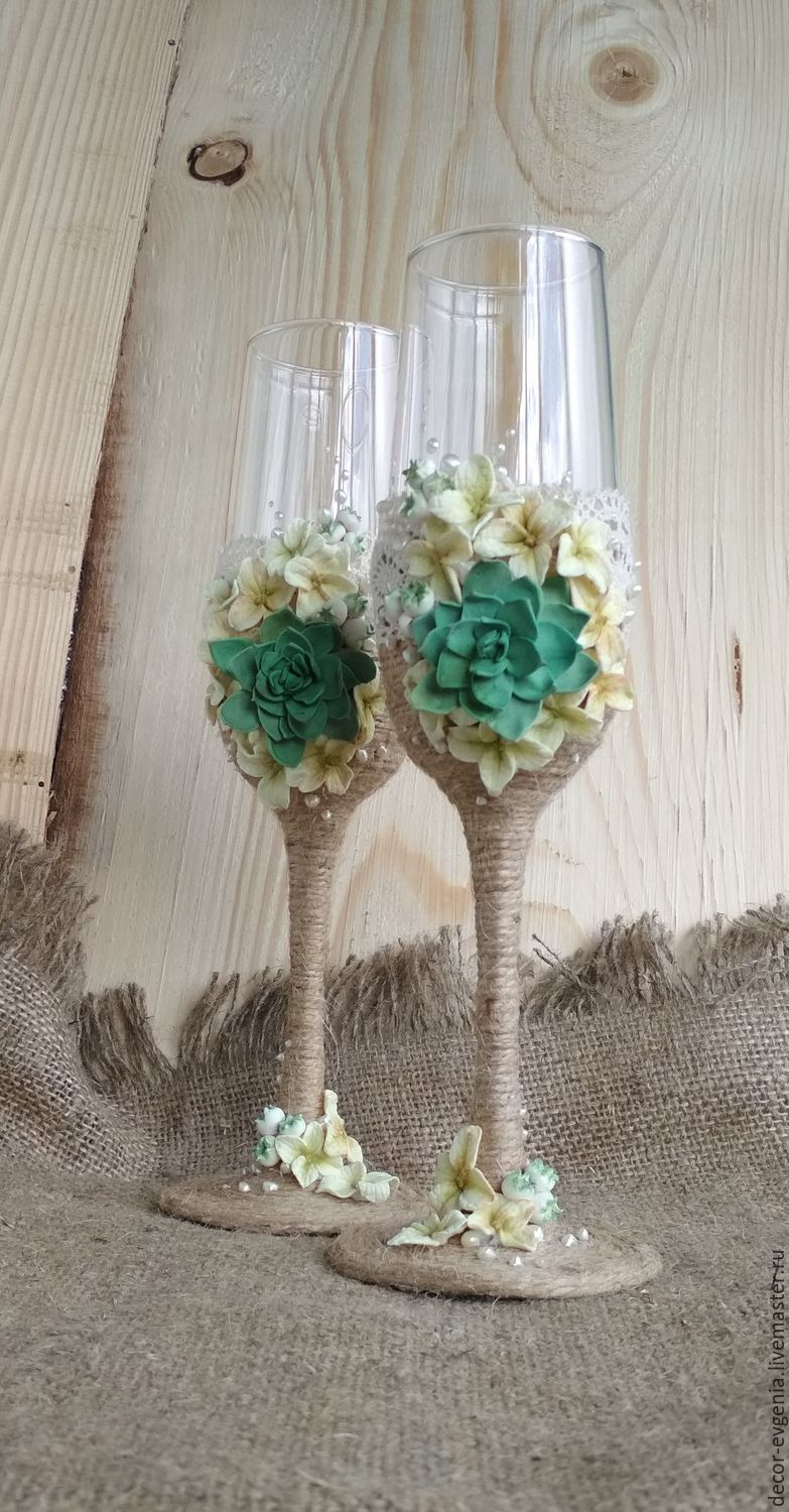 Wedding Rustic Champagne Glasses,hydrangea succulents,Toasting Flutes, Wedding glasses, Moscow,  Фото №1