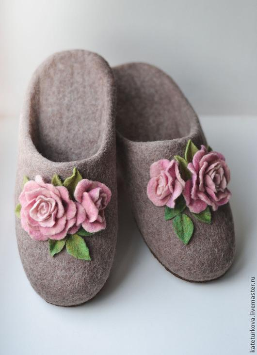 """Обувь ручной работы. Ярмарка Мастеров - ручная работа. Купить Тапочки """"Нежные розочки"""". Handmade. Домашние тапочки, детские тапочки"""
