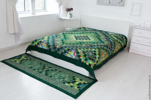 """Текстиль, ковры ручной работы. Ярмарка Мастеров - ручная работа. Купить """"Зелёное"""" лоскутное двуспальное покрывало(пэчворк). Handmade. Тёмно-зелёный"""