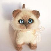 Мягкие игрушки ручной работы. Ярмарка Мастеров - ручная работа Котик бежевый игрушка из войлока. Handmade.