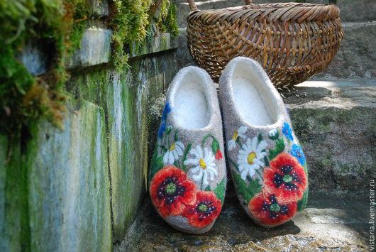 Обувь ручной работы. Ярмарка Мастеров - ручная работа. Купить Валяные тапочки «Полевые цветы». Handmade. Тапочки домашние