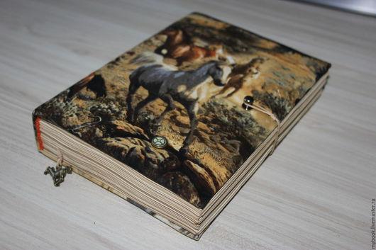 """Блокноты ручной работы. Ярмарка Мастеров - ручная работа. Купить Книга для записей """"Лошади"""". Handmade. Разноцветный, синтепон"""