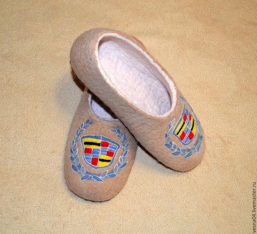 """Обувь ручной работы. Ярмарка Мастеров - ручная работа. Купить Валяные вручную тапочки """" CADILLAC """". Handmade. Бежевый"""