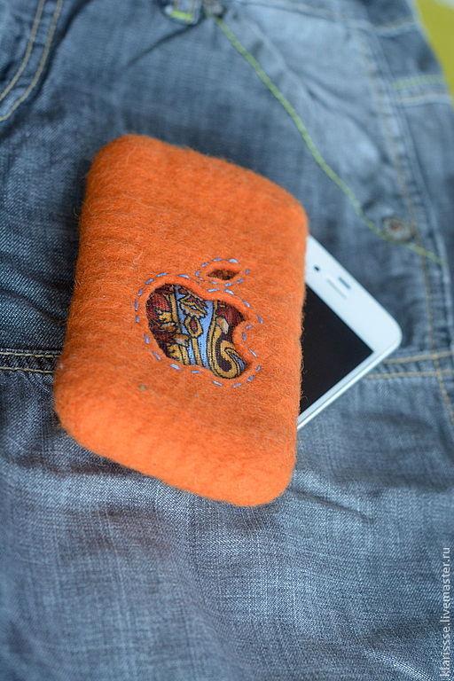 """Для телефонов ручной работы. Ярмарка Мастеров - ручная работа. Купить Чехол для iPhone  """"Русский стиль"""". Войлок, павловопосадский платок. Handmade."""