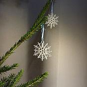 Подарки к праздникам ручной работы. Ярмарка Мастеров - ручная работа Елочное украшение/подвесная игрушка Снежинка. Handmade.