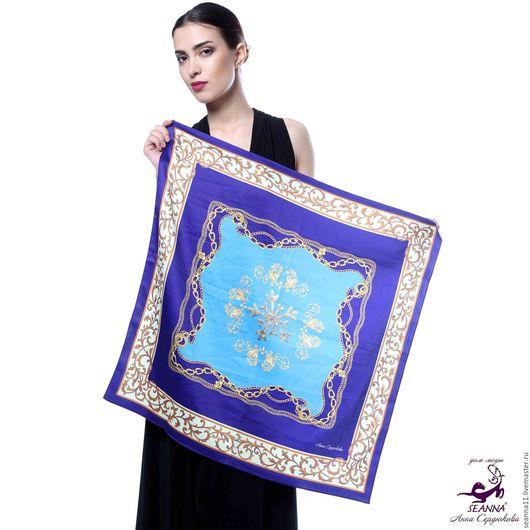 Дизайнер Анна Сердюкова (Дом Моды SEANNA).  Эффектный платок из шелка с авторским принтом `Лазурно-синяя Греция`. Размер платка - 65х65 см.  Цена - 2400 руб.