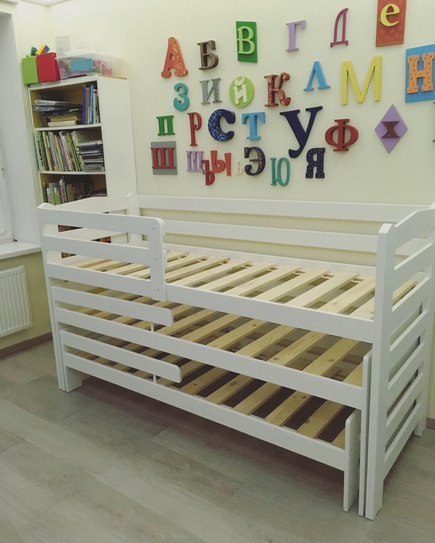 Кровать трехспальная