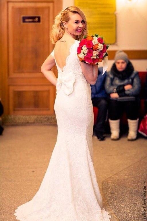 Ручная работа.Свадебное кружевное платье со шлейфом.