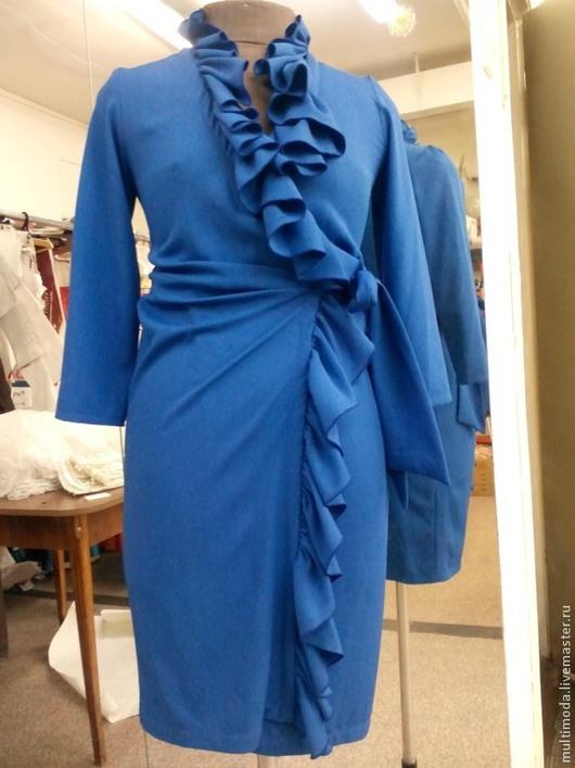 Платья ручной работы. Ярмарка Мастеров - ручная работа. Купить Платье ..Синий цвет..с запахом. Handmade. Синий, костюмная ткань