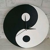 Часы классические ручной работы. Ярмарка Мастеров - ручная работа Часы настенные Инь и Ян. Handmade.
